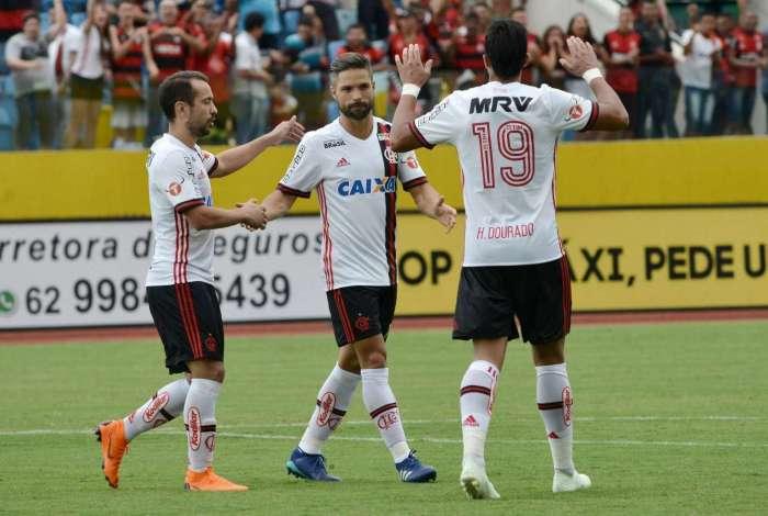 O meia Diego fez dois belos gols no amistoso diante do Atlético-GO