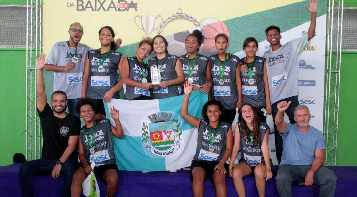 07/04/2018 - Caderno Baixada. Jogos da Baixada. Premia��o segundo lugar Sub 17 de Basquete feminino.Equipe Nova Igua�u. Foto: Fernanda Dias / Ag�ncia O Dia.       Caption