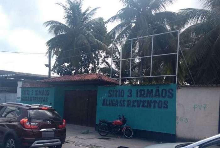 S�tio onde acontecia festa em que milicianos foram presos, em Santa Cruz