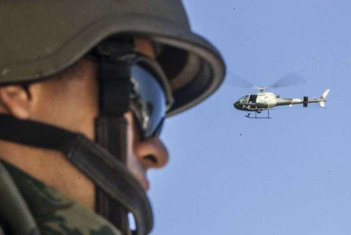 Cinelli declarou que as forças de segurança mantêm pressão contra o crime no Rio