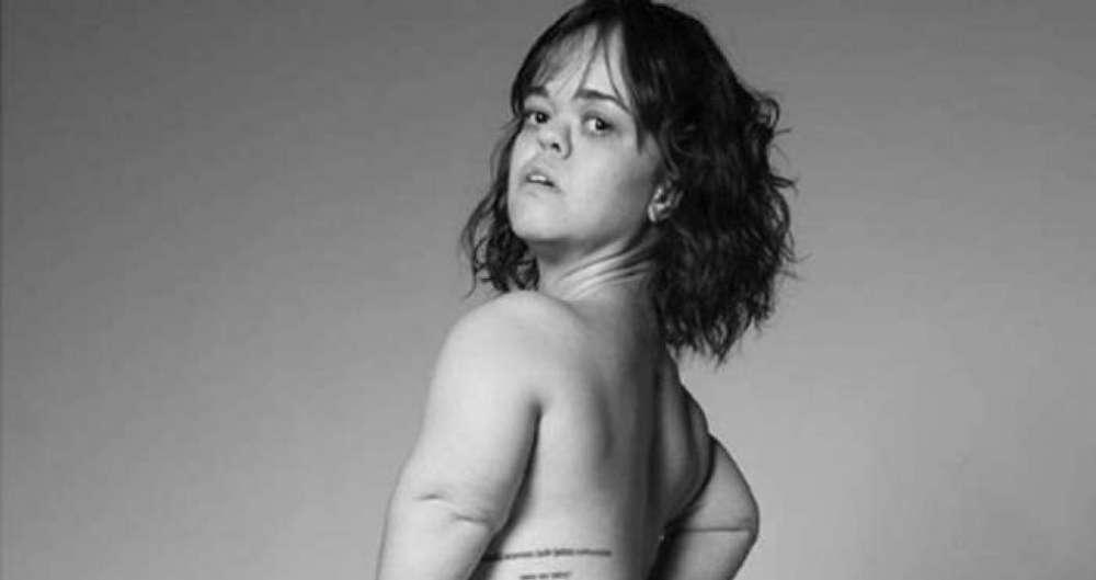 Juliana Caldas posa nua para ensaio fotogr�fico