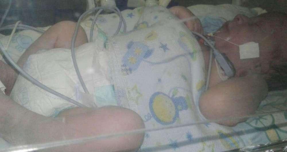 Pedro Marques, de apenas 18 dias, precisa ser transferido de hospital