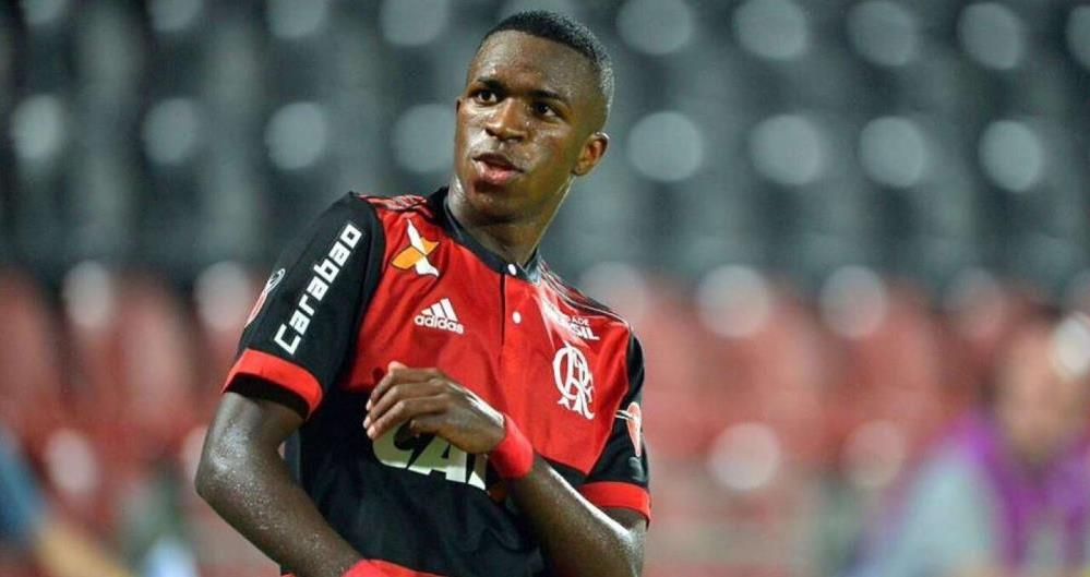 Vinicius Júnior disse que vai ensinar passinhos de funk para Cristiano Ronaldo