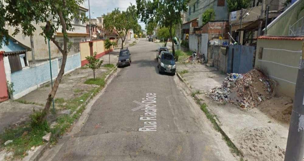 Mulher baleada na Zona Norte recebe alta. Na foto, rua em Oswaldo Cruz