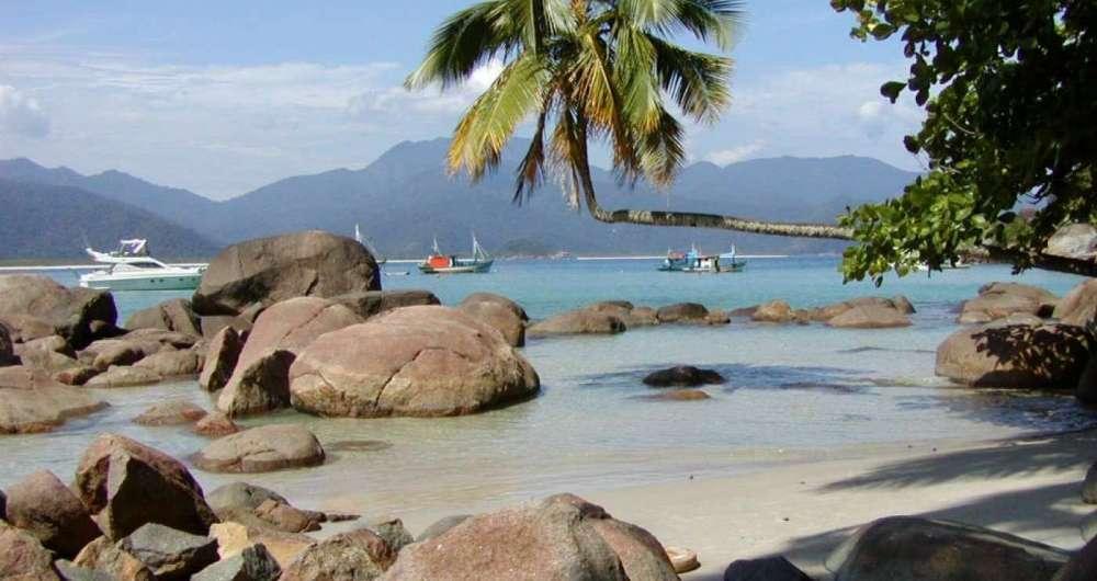 Praia do Aventureiro, um dos cart�es-postais da Ilha Grande