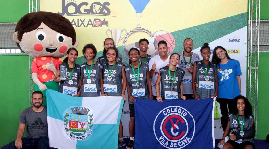 08/04/2018 - Caderno Baixada. Jogos da Baixada. Premia��o segundo lugar Sub 14 de Basquete feminino.Equipe Nova Igua�u. Foto: Fernanda Dias / Ag�ncia O Dia.