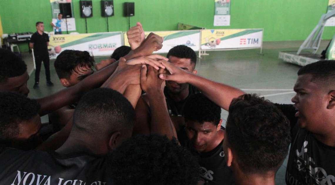 08/04/2018 - Caderno Baixada. Jogos da Baixada. Final Sub 17 de Basquete masculino. Equipes Queimados e Nova Igua�u. Foto: Fernanda Dias / Ag�ncia O Dia.