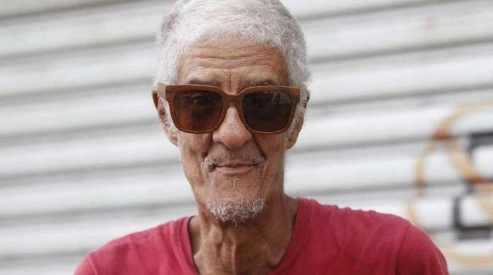 PAULO FERREIRA, 67 anos, desempregado, mora no Lins.