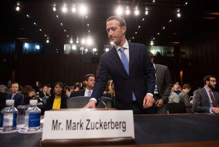 Mark Zuckerberg em depoimento no Senado americano