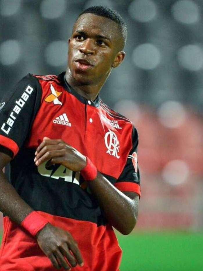 Vinicius Júnior vai defender o Real