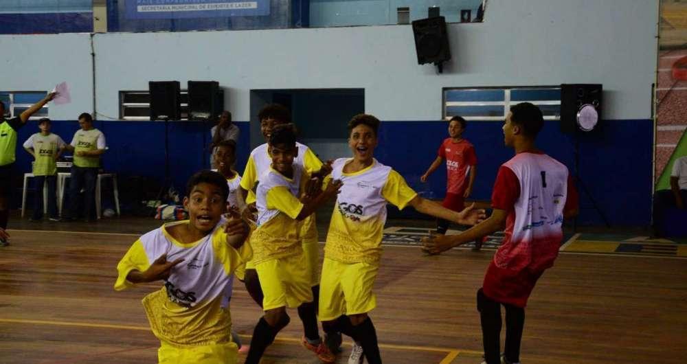 Mesquita conquistou o t�tulo nas duas categorias do futsal no ano passado