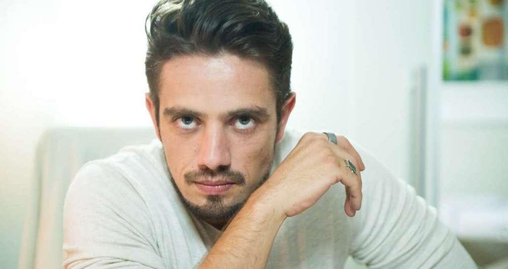 'Estou o Doctor Rey', brinca Rafael Cardoso O Dia - Leo Dias