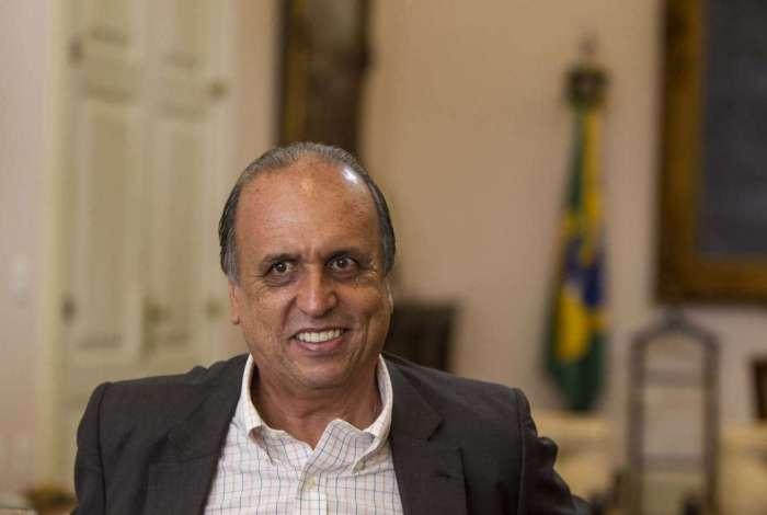Governador Luiz Fernando Pezão diz que 13º será quitado em abril