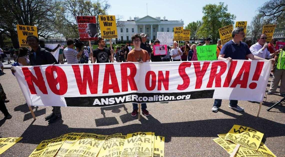 Defesas antiaéreas da Síria abatem mísseis, diz televisão estatal