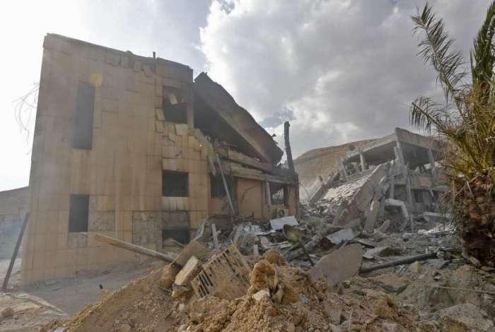 EUA, Reino Unido e Fran�a lan�am ataque contra a S�ria em resposta a suposto uso de armas qu�micas