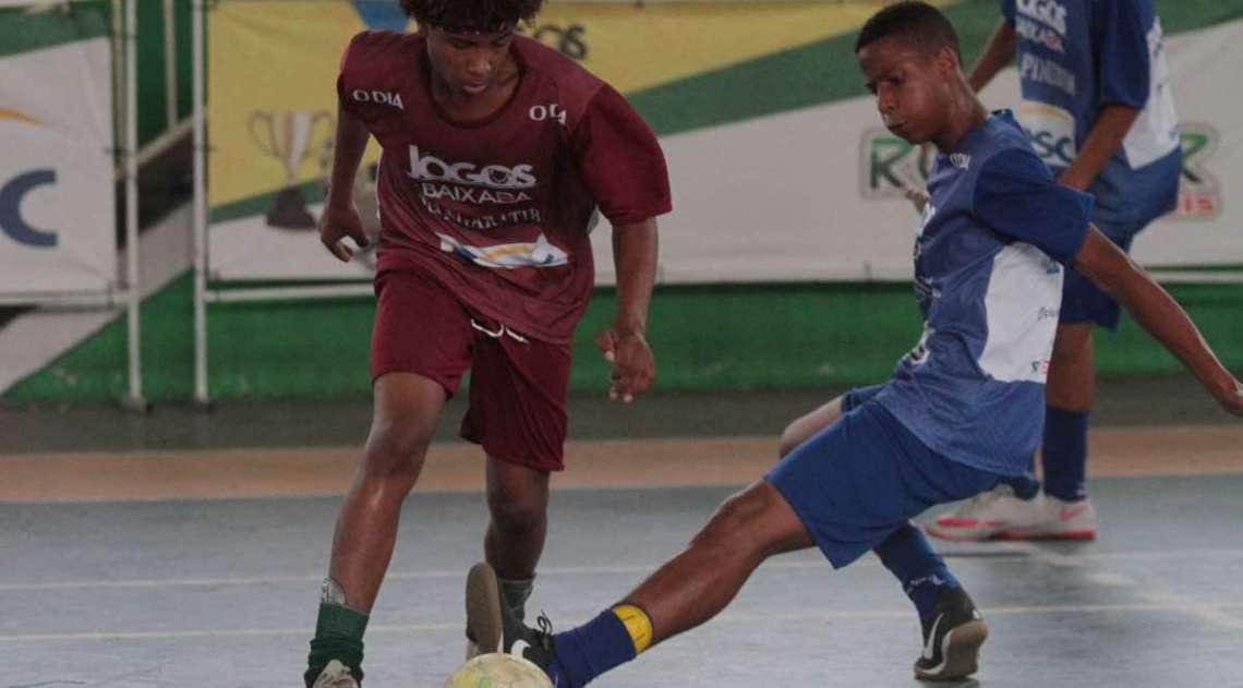 14/04/2018 - Caderno Baixada. Jogos da Baixada. Semi Final Futsal Masculino. Equipe Mangaratiba e Guapimirim. Foto: Fernanda Dias / Ag�ncia O Dia.
