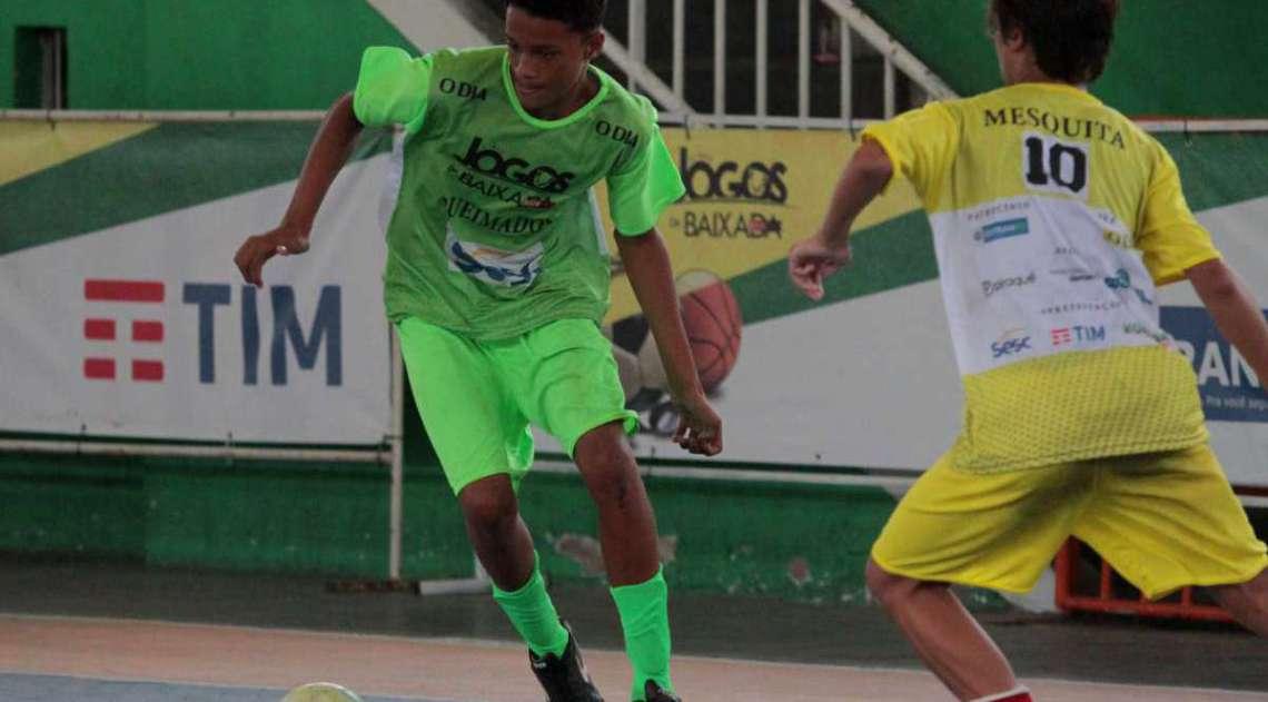 14/04/2018 - Caderno Baixada. Jogos da Baixada. Semi Final Futsal Masculino. Equipe Queimados e Mesquita. Foto: Fernanda Dias / Ag�ncia O Dia.