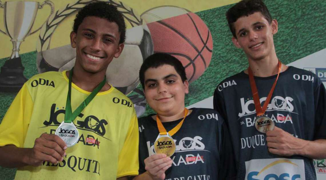 14/04/2018 - Caderno Baixada. Jogos da Baixada. Premia��o Xadrez Masculino. Foto: Fernanda Dias / Ag�ncia O Dia.