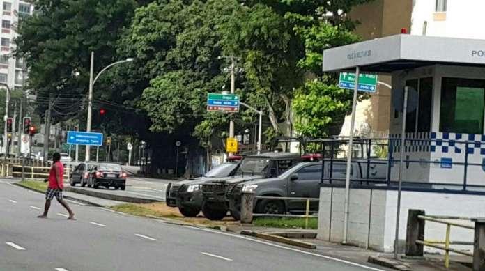 Militares do Ex�rcito patrulham o entorno do Shopping Tijuca: �rea do 6� BPM teve alta nos �ndices criminais