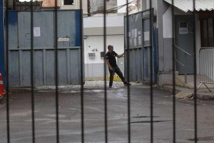 Uma das unidades que mais passou por pente-fino foi a cadeia de Benfica, construída para atender presos da Lava Jato