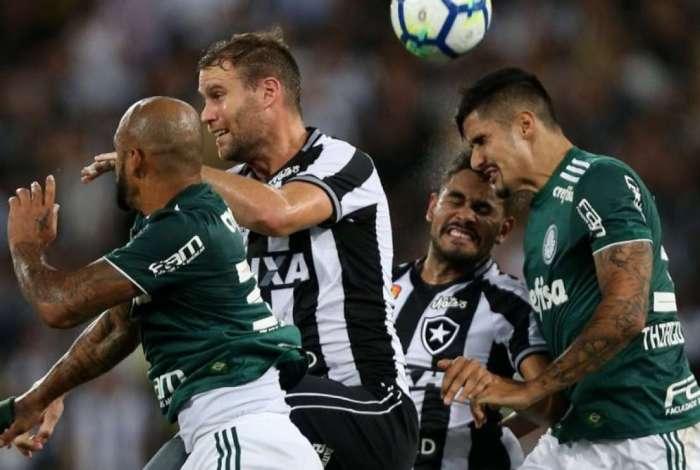 Botafogo empatou com o Palmeiras