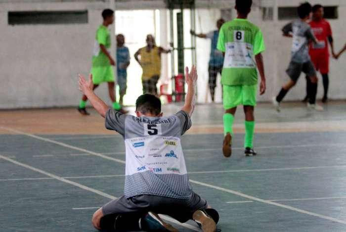 Semifinal do Futsal Sub 17 masculino entre Paracambi e Queimados