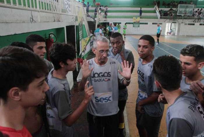 15/04/2018 - Caderno Baixada. Jogos da Baixada. Semi Final Futsal Sub 17 masculino.Equipes Paracambi e Queimados. Foto: Fernanda Dias / Ag�ncia O Dia.