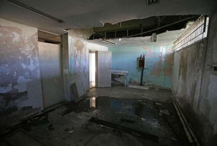 Ciep em S�o Jo�o de Meriti est� abandonado e com estrutura prec�ria