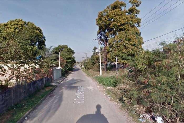 Rua Dom Henrique, no bairro Belmont, em Queimados