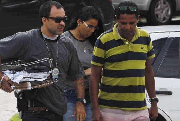 Farsante foi preso em flagrante quando os policiais se passaram por pacientes em busca de um atestado