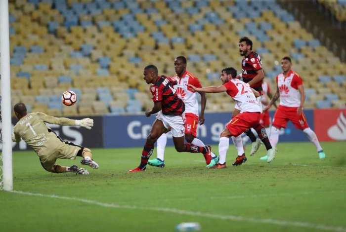 Flamengo teve chances mas ficou no empate