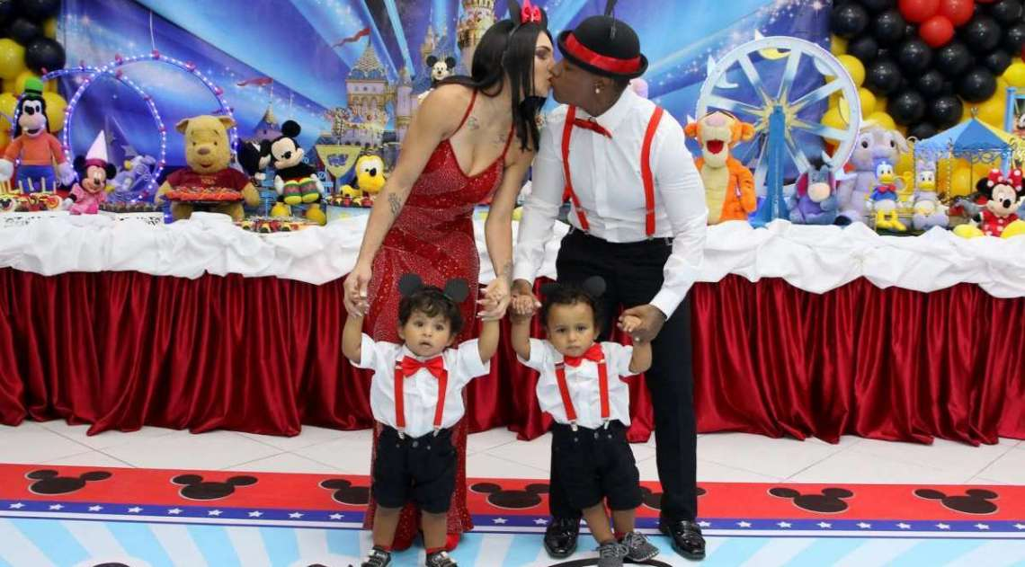 Pep� e Thalyta Santos comemoram anivers�rio dos filhos em S�o Paulo