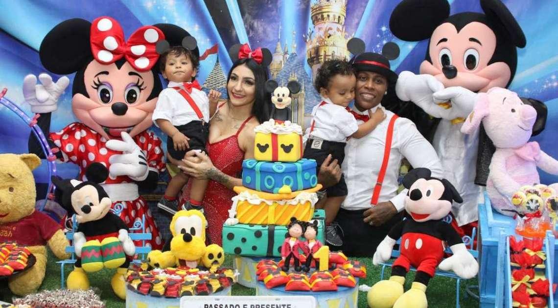 Pep� comemora anivers�rio dos filhos com festa em S�o Paulo