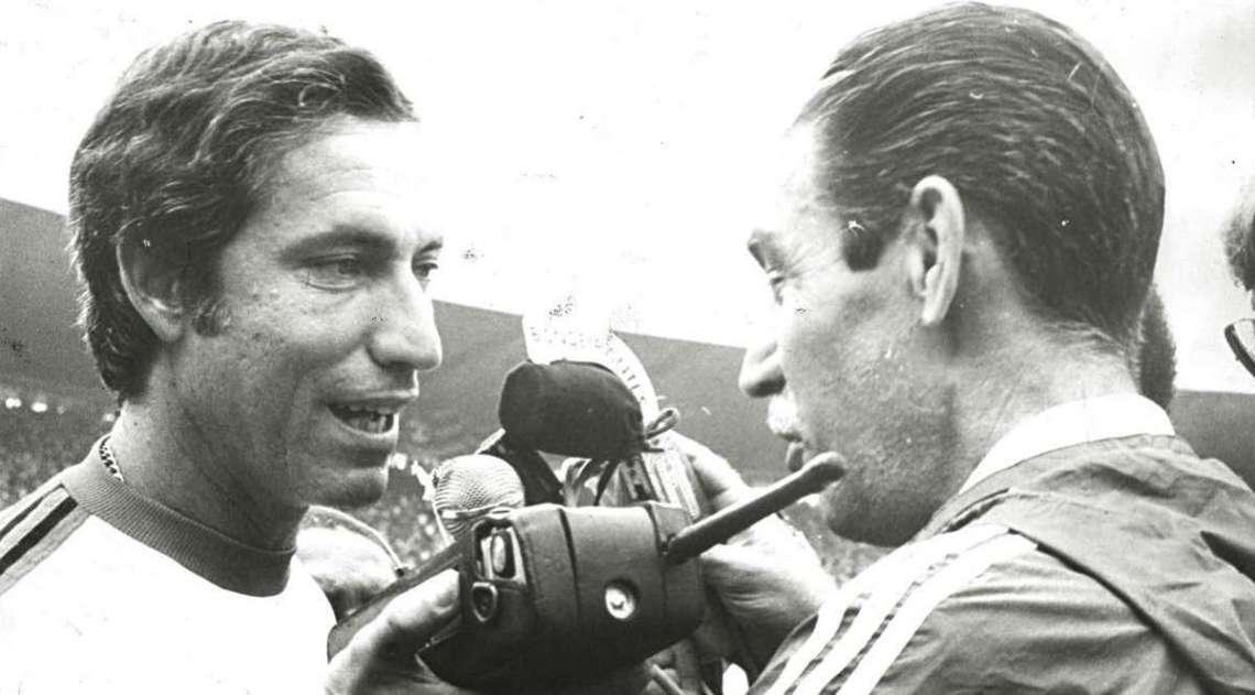 14/04/1980 - T�cnico Cl�udio Coutinho e Osvaldo Brand�o no Est�dio M�rio Filho, o Maracan�. Foto de Arquivo / Ag. O Dia
