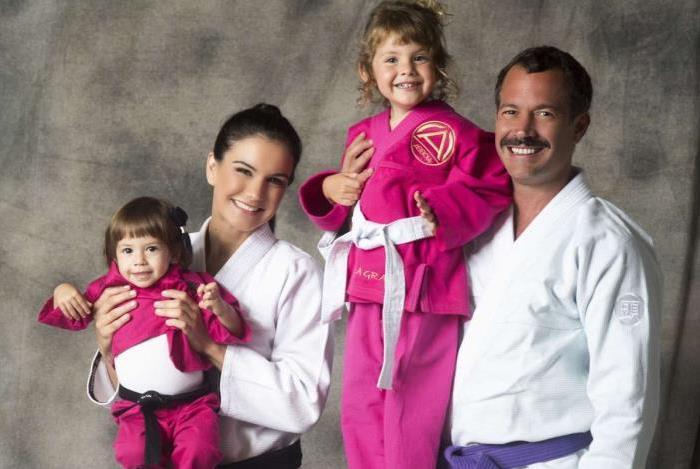 Malvino Salvador, Kyra Gracie e as filhas Ayra e Kyara