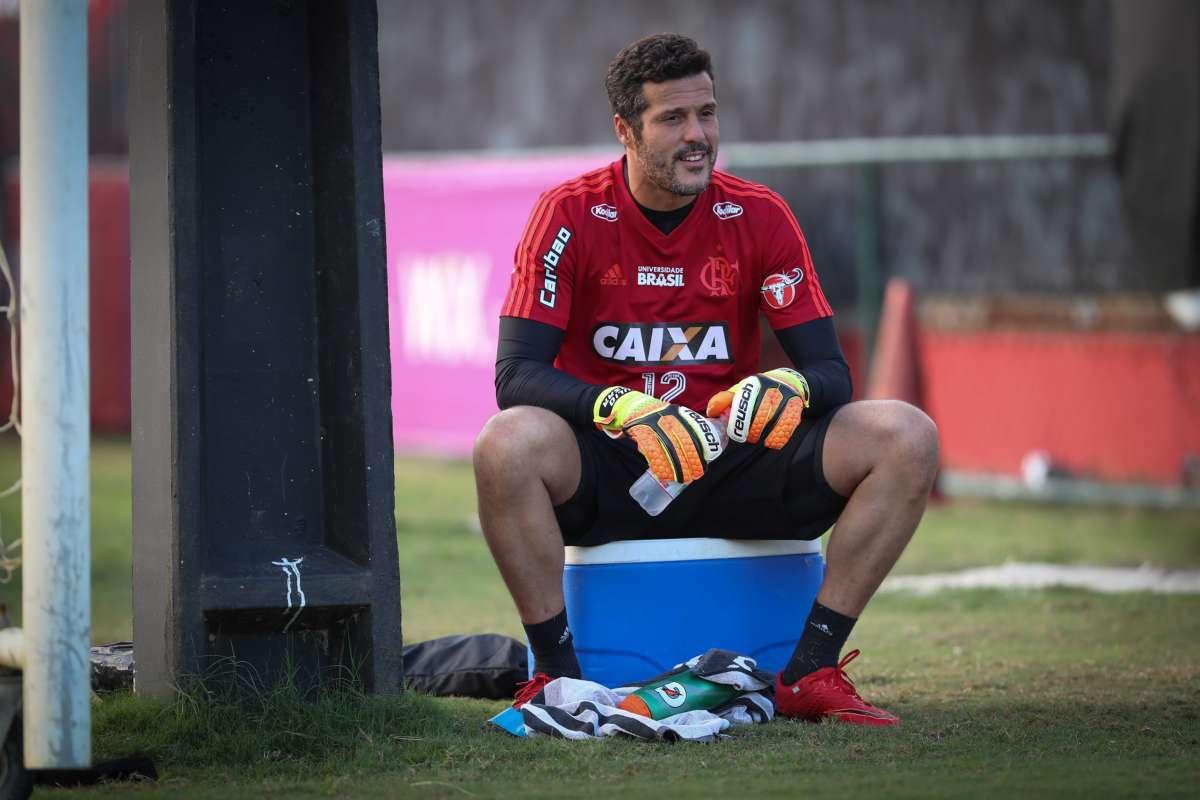 4e69153f6e438 J lio c sar faz seu  ltimo treino pelo Flamengo Gilvan de Souza Flamengo