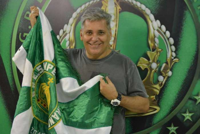 Paulo Menezes volta para a verde e branco de Madureira após 13 carnavais