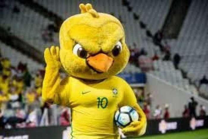 13e9de1a0a57 Mascote da seleção brasileira, canarinho enfezado cai no gosto ...