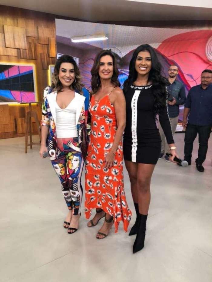 Naiara Azevedo, Fátima Bernardes e MC Pocahontas no 'Encontro com Fátima Bernardes'