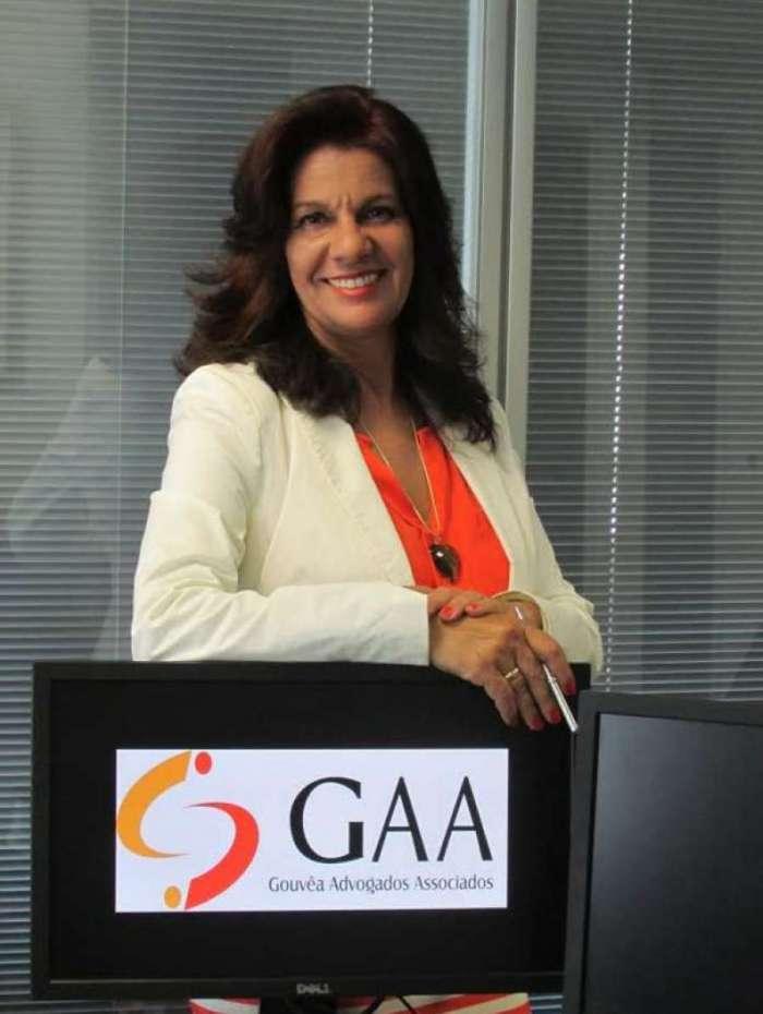 Luciana G. Gouvêa