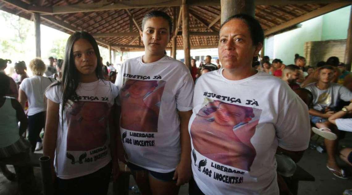 Suspeitos que foram presos em uma festa da milícia em Santa Cruz, conseguem o alvará de soltura e deixam o presídio de Gericinó, em Bangu