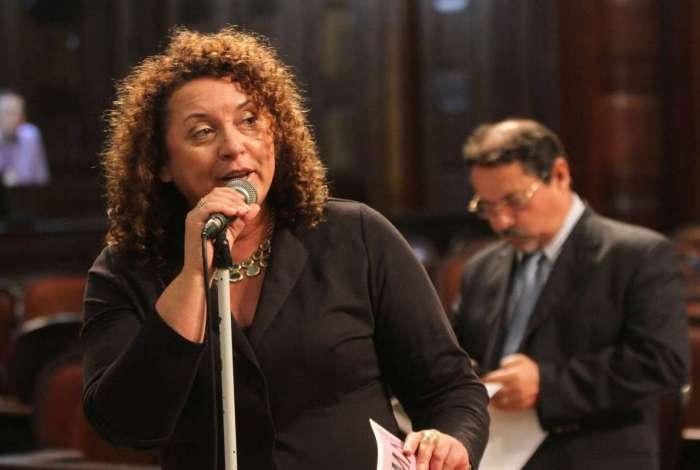 Deputada Zeidan (PT) no plen�rio da Alerj