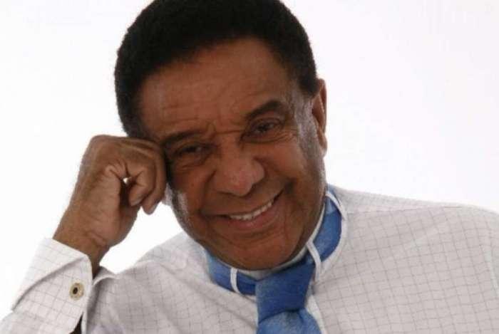 Agnaldo Timóteo sofreu princípio de AVC durante turnê na Bahia