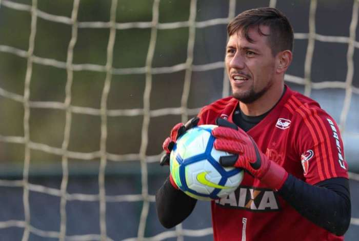 Robinho não gostou da declaração de Diego Alves
