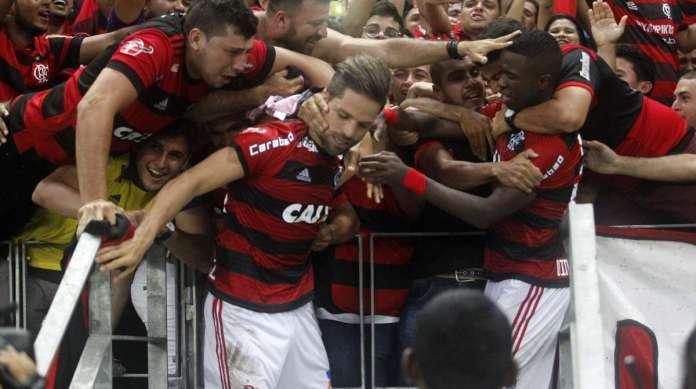 Campeonato Brasileiro de Futebol 2018 Serie A. Jogo entre as equipes do Ceara X Flamengo realizado na noite de hoje noa Arena Castelao em Fortaleza Ceara. Na foto Diego comemora o terceiro gol do Flamengo..Foto: LC Moreira