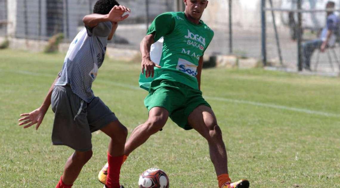 29/04/2018 - Caderno Baixada. Jogos da Baixada. Semi final futebol de campo. Mag� e Paracambi.Foto: Fernanda Dias / Ag�ncia O Dia.