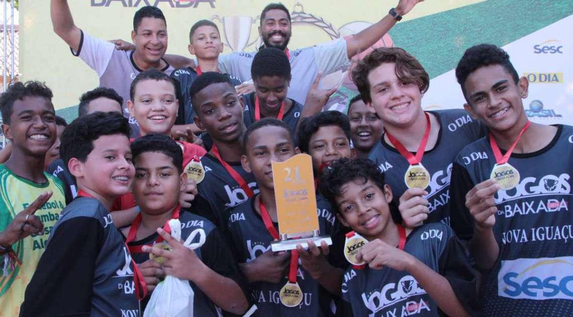 29/04/2018 - Caderno Baixada. Jogos da Baixada.Handbol Masculino equipe vencedora Nova Igua�u. Foto: Fernanda Dias / Ag�ncia O Dia.