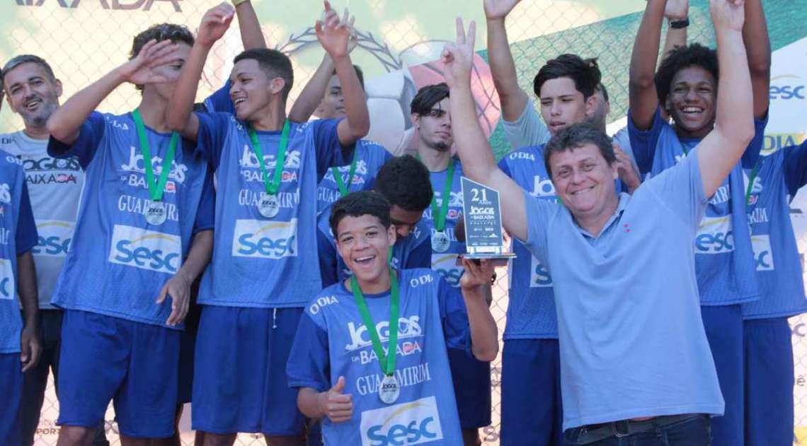 29/04/2018 - Caderno Baixada. Jogos da Baixada. Premia��o Futebol de campo masculino. Segundo lugar equipe Guapimirim.Foto: Fernanda Dias / Ag�ncia O Dia.