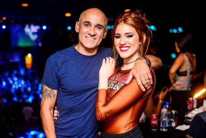 Ayrton e Ana Clara estiveram em show na Ribalta