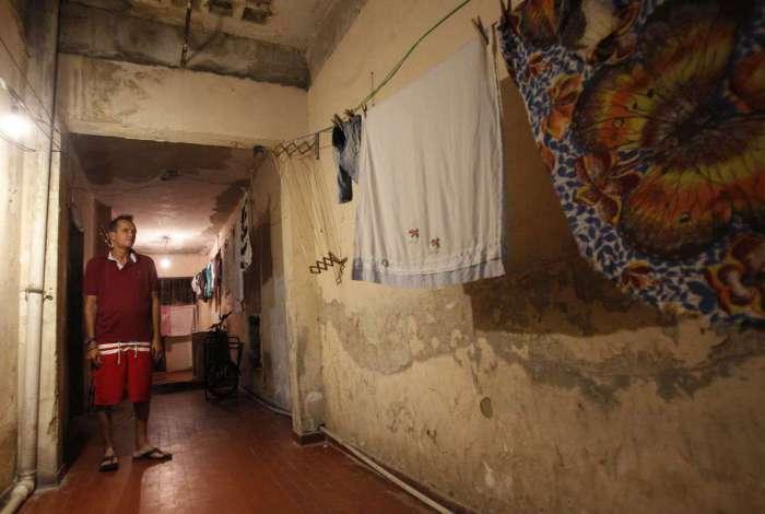 O cozinheiro Rog�rio Santos Silva, 50 anos, � umas das pessoas que foi morar na ocupa��o da Rua Mem de S� porque ficou sem condi��es financeiras para pagar o aluguel